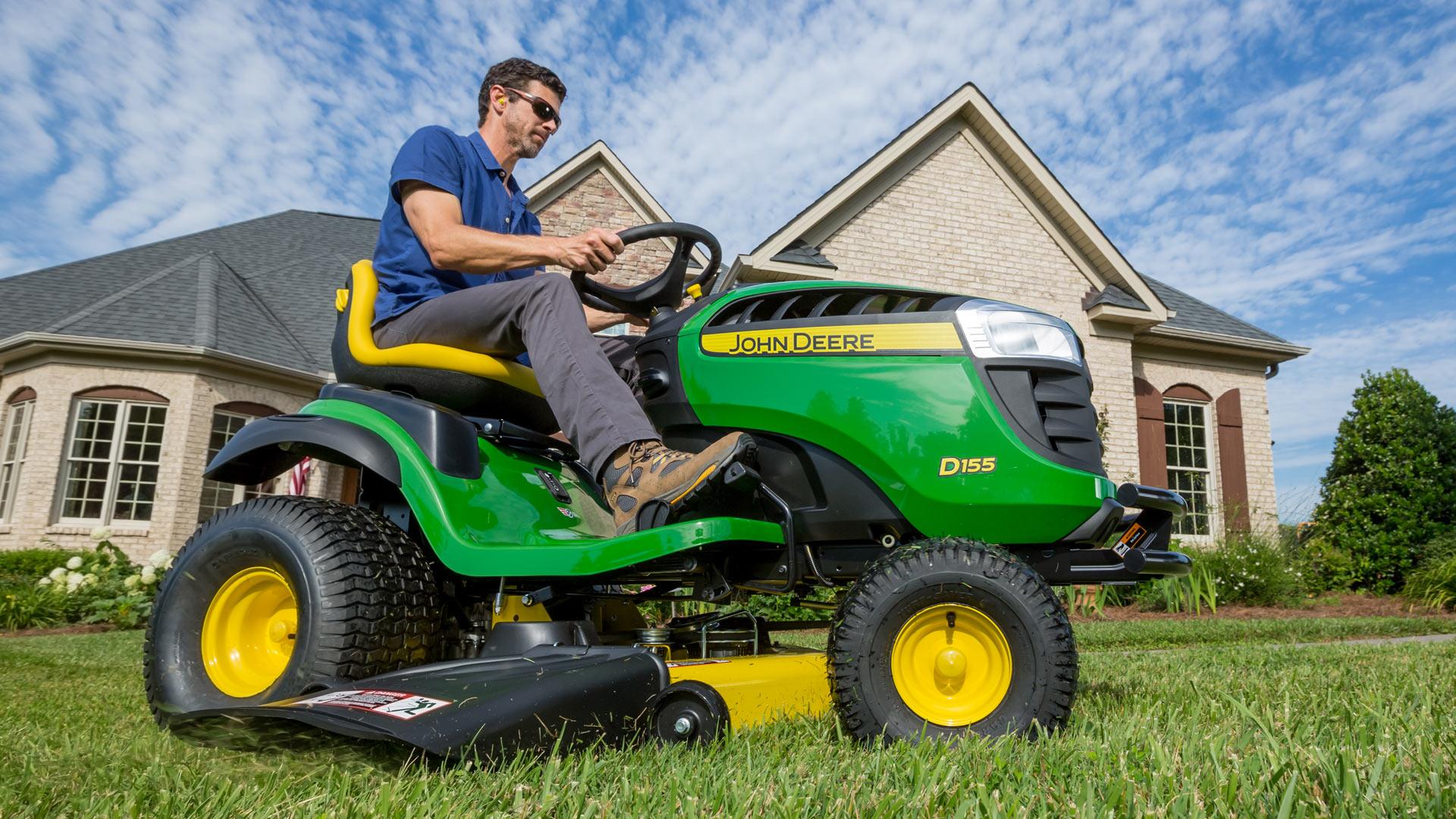 Lawn Tractors | D100 Series | John Deere US
