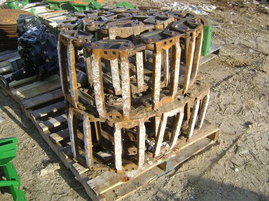 John Deere STEEL TRACKS Skid Steer Loaders - John Deere MachineFinder