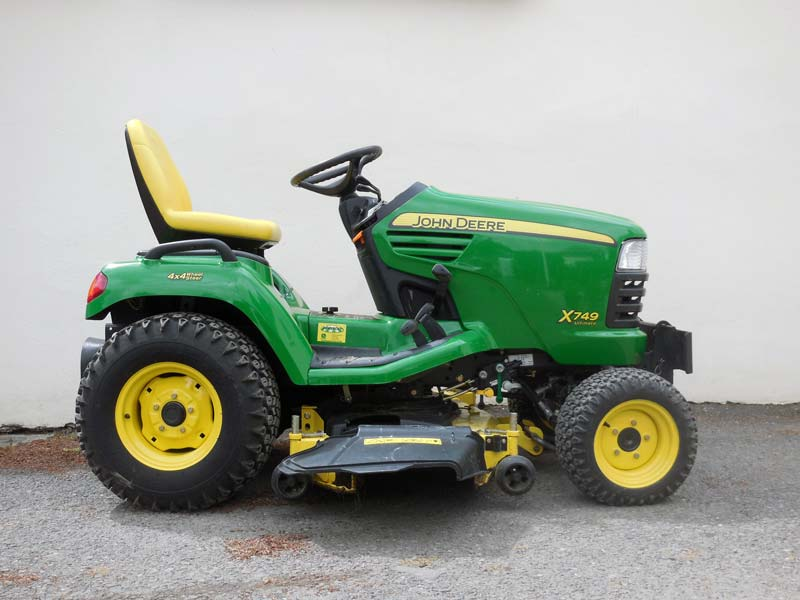 Used John Deere X749 | 4WD 4-Wheel Steer Diesel Garden Tractor