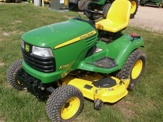 2005 John Deere X748 Lawn & Garden and Commercial Mowing - John Deere ...