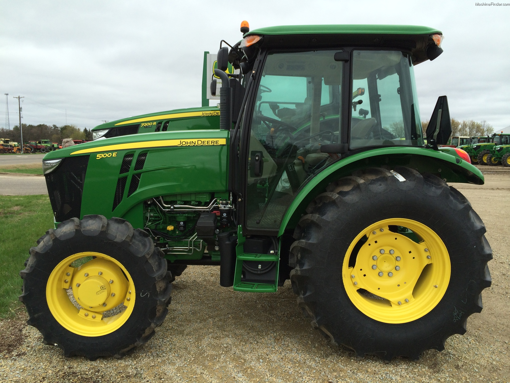 2013 John Deere 5100E Tractors - Utility (40-100hp) - John Deere ...