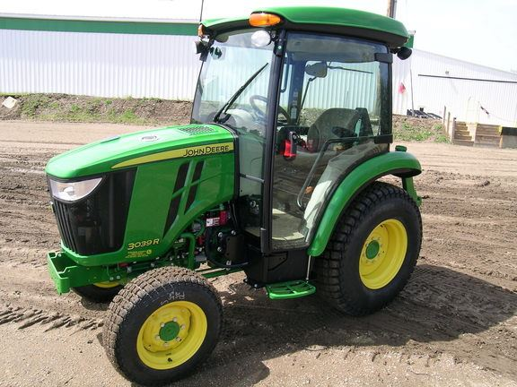 ..., Year: 2016 | Used John Deere 3039R compact tractors - Mascus USA