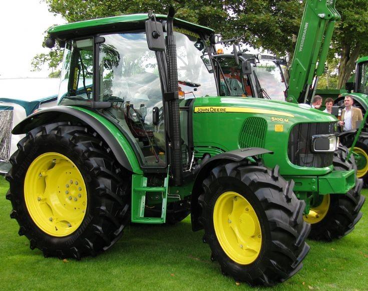 Tractor Photos - John Deere 5100M
