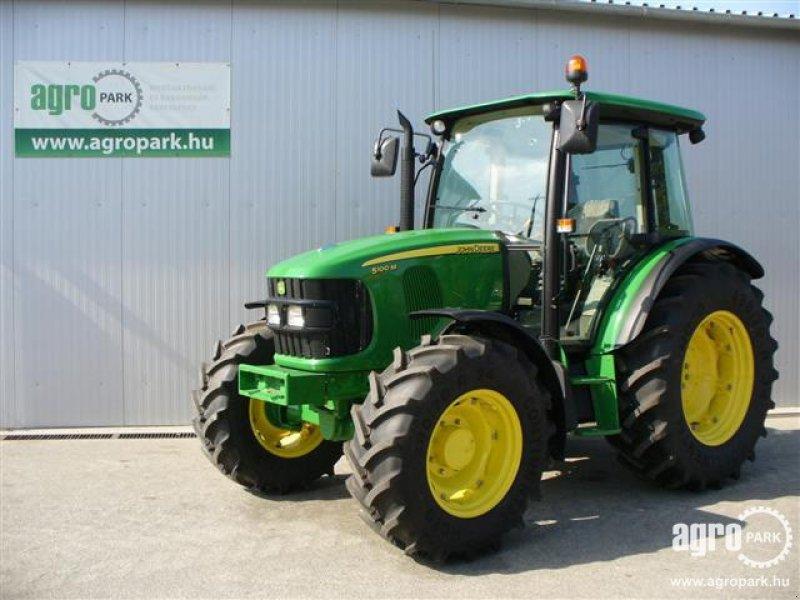 John Deere 5100M Tractor - technikboerse.com