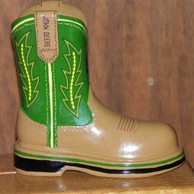 35 UPC 5145535 John Deere Green Boot Bank 9-H $19.99