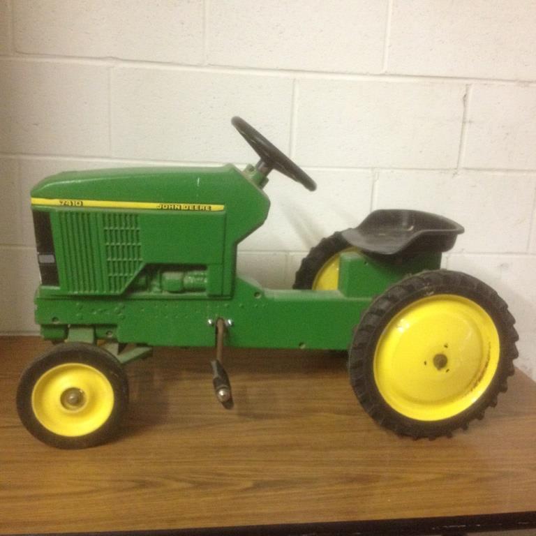 Vintage Ertl Metal John Deere 7410 Pedal Tractor