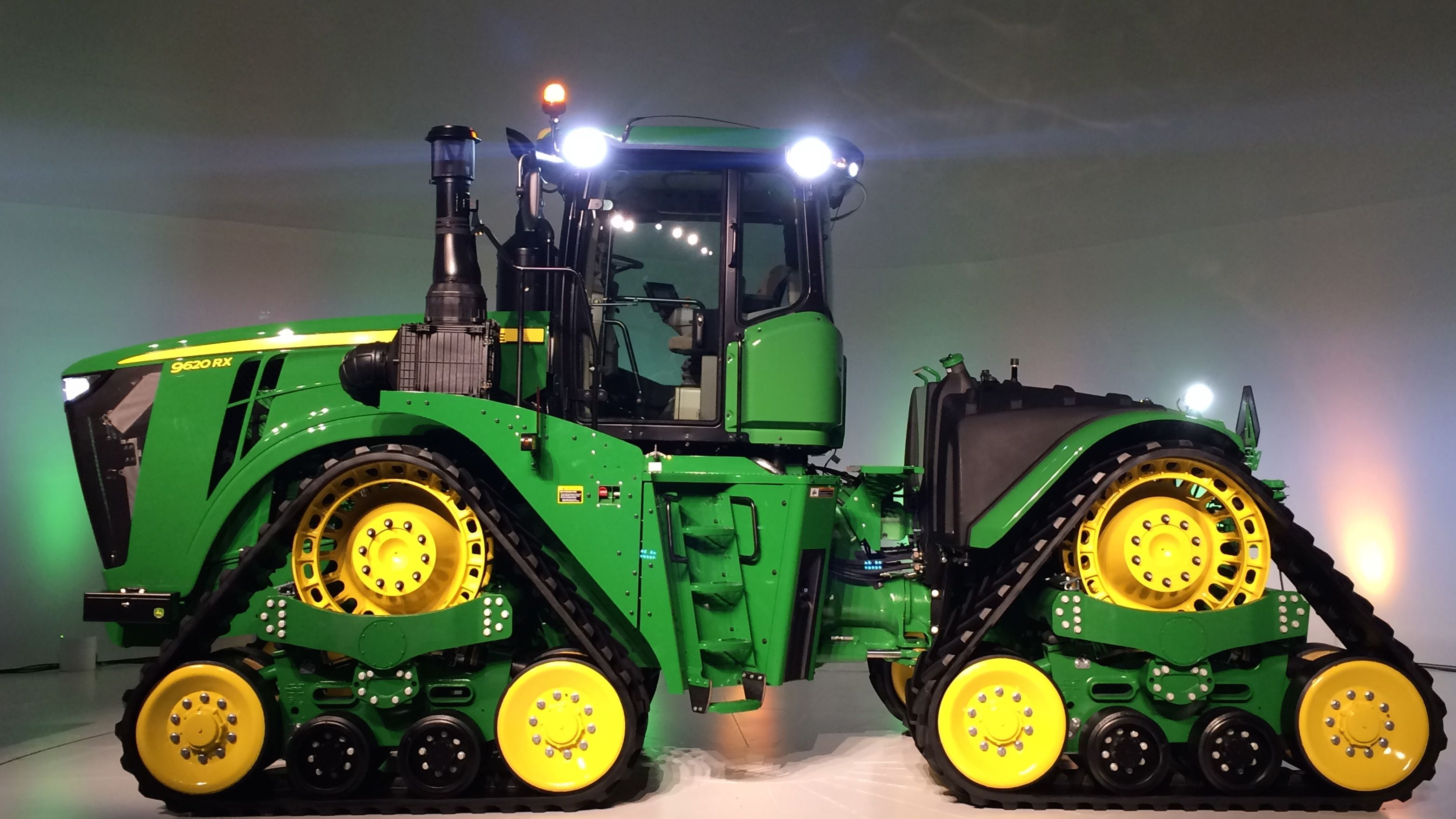 John Deere's new, upgraded products for 2016: Tractors ...