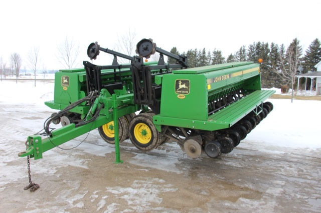 RIVETT FARM EQUIPMENT AUCTION in New Tecumseth, Ontario by Shackelton ...