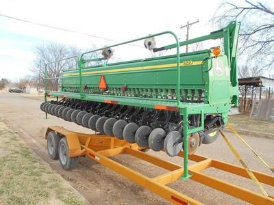 John Deere 1520 Drill - Hale Center, TX | Machinery Pete