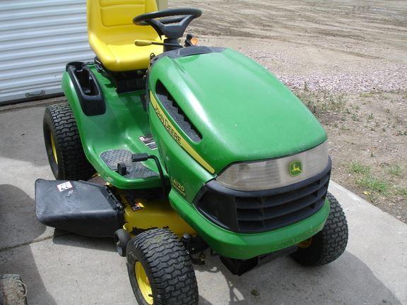 John Deere LA120 - Year: 2007 - Lawn mowers - ID: 1D43B25B ...