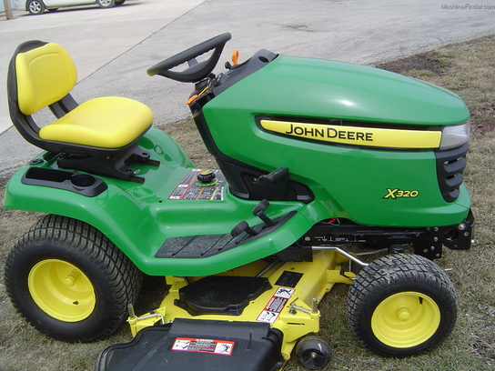 2011 John Deere X320 Lawn & Garden and Commercial Mowing ...