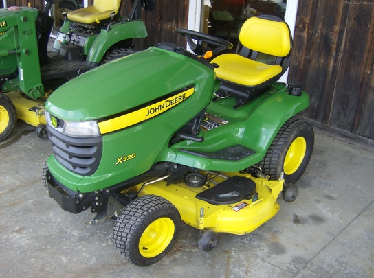 2009 John Deere X320 Lawn & Garden and Commercial Mowing ...