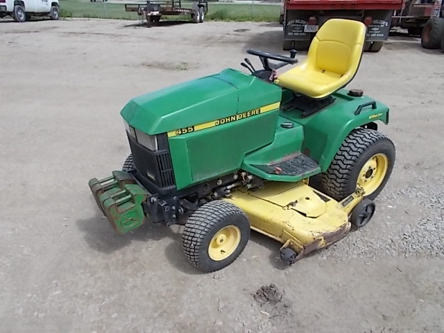 John Deere 455 Lawn Tractor, 22 HP ...   Owatonna ...