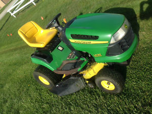 John Deere LA120 Lawn Tractor 21HP 42