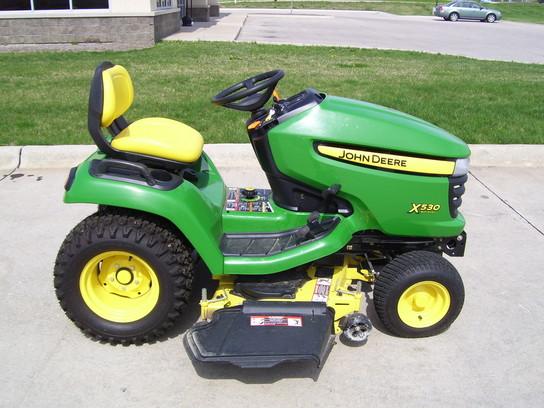 2011 John Deere x530