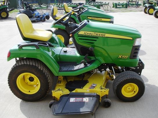 2008 John Deere X700 Lawn & Garden and Commercial Mowing ...