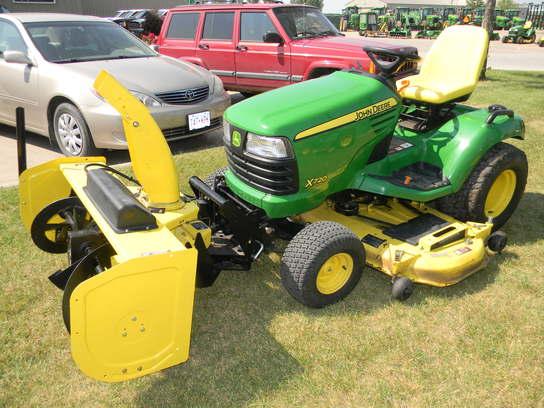 2010 John Deere X720 Lawn & Garden and Commercial Mowing ...