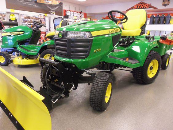 John Deere X724 garden tractor with 54 snow bulldozer ...