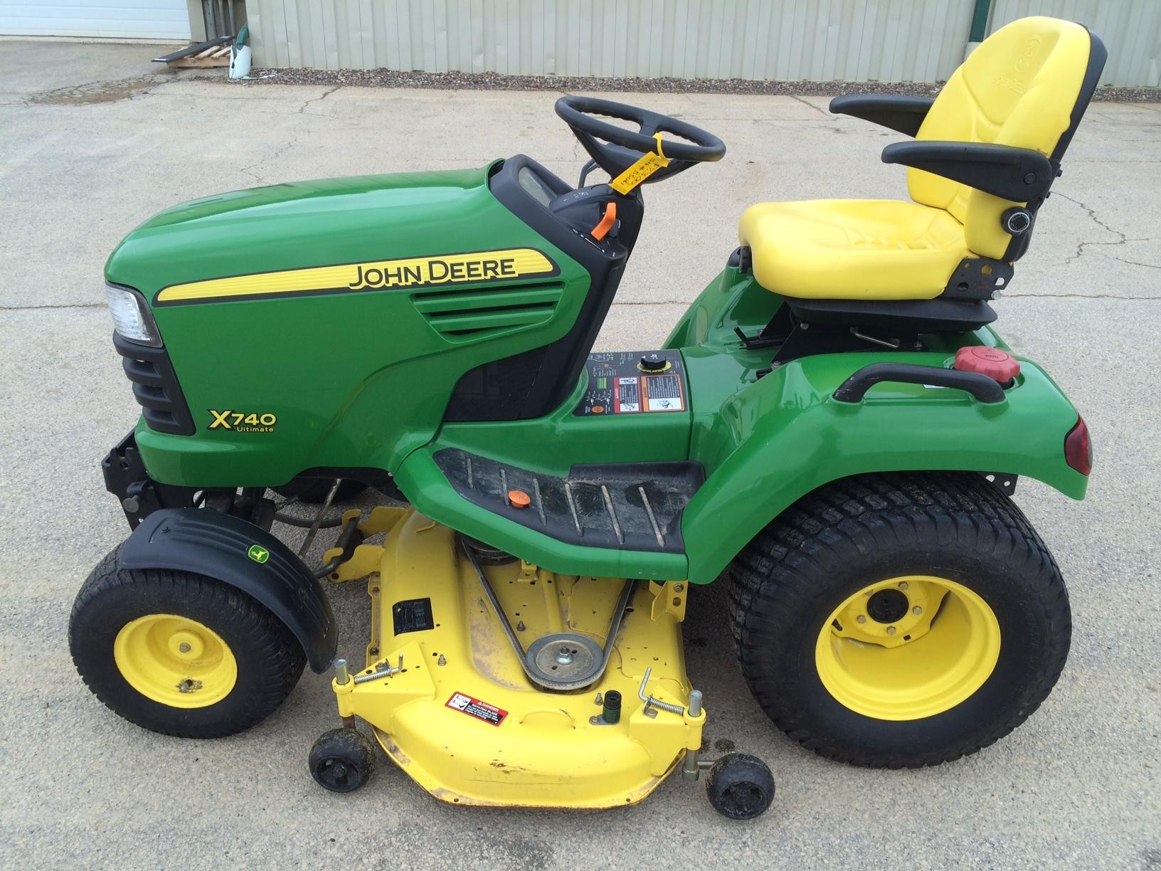 John Deere X740 Lawn & Garden Tractors for Sale | [55061]