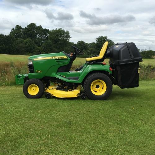 John Deere X740 Garden Tractor - Bertie Green