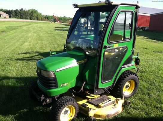 2009 John Deere X749 Lawn & Garden and Commercial Mowing ...