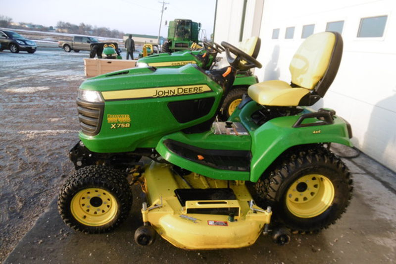 2014 John Deere X758 Riding Mower #1M0X758AAEM021524 ...