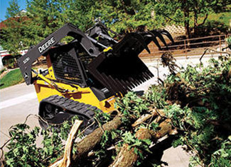 Brush-Tined Grapple | Worksite Pro Attachments | John Deere CA