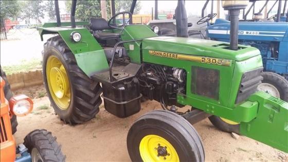 John Deere 2300 4X2 Tractor     Farming Equipment ...