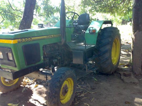 Vendo tractor JOHN DEERE 2300 en Salta