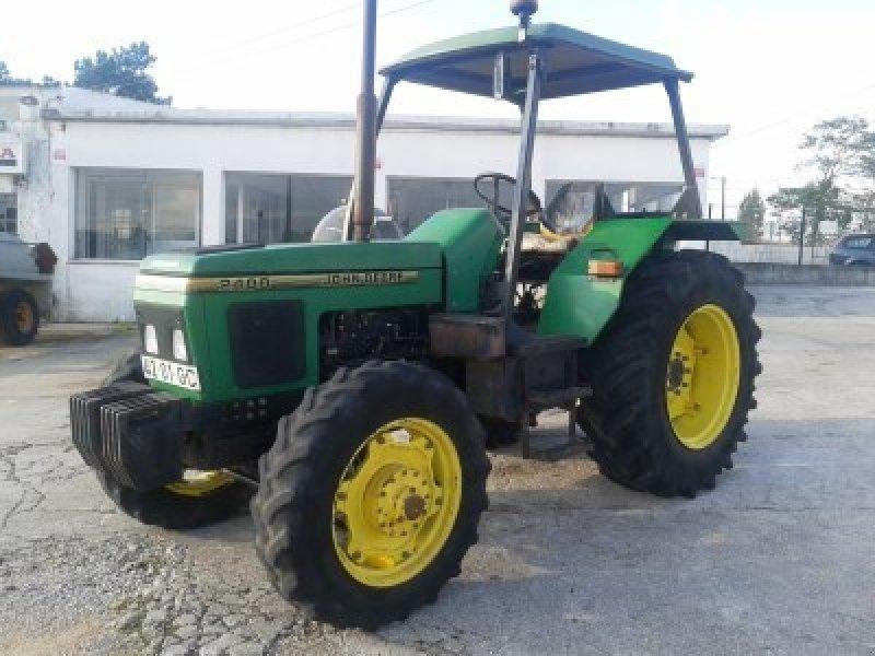 John Deere 2400 Tractor - technikboerse.com