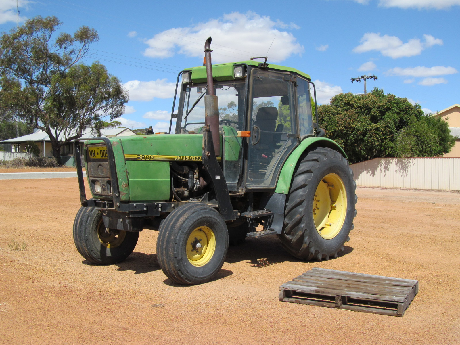 File:John Deere 2800 tractor at Wyalkatchem.jpg ...