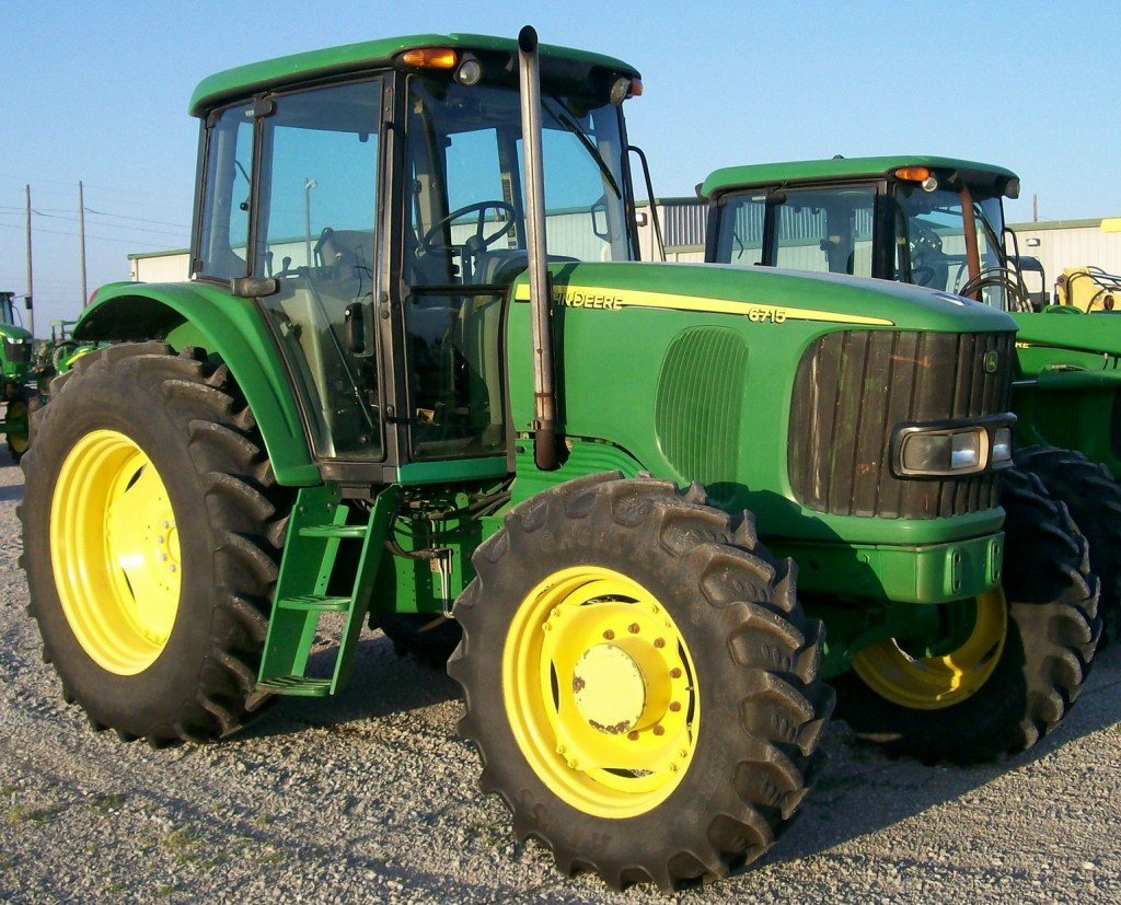 Take on Chores around the Farm with the John Deere 6715