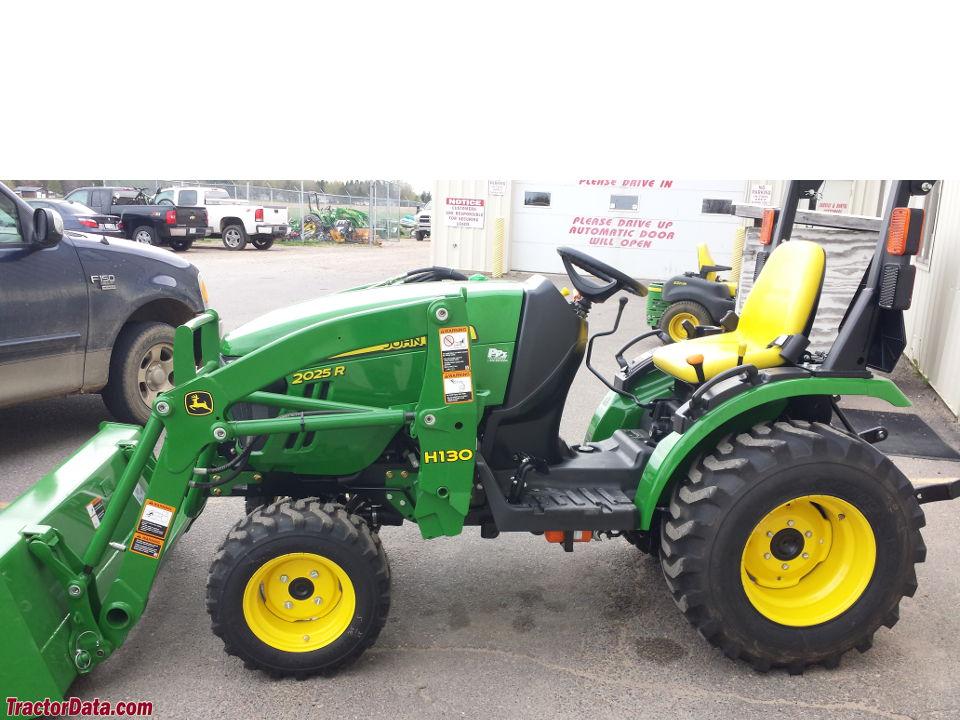 TractorData.com John Deere 2025R tractor photos information