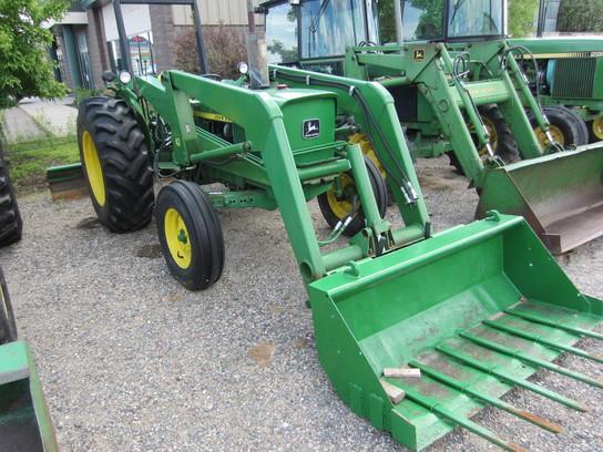 John Deere 1530 Tractors - Utility (40-100hp) - John Deere ...