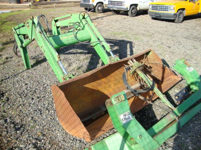 LOT #555 - John Deere 245 Loader Attachment