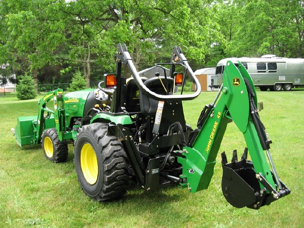 2007 John Deere 2520 4WD Compact Utility Tractor, Lots of ...