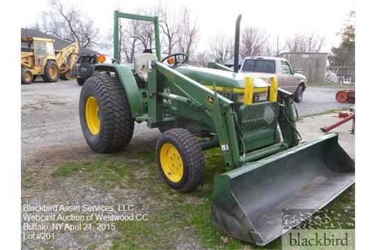 John Deere 1070 tractor with front bucket model 440, turf ...