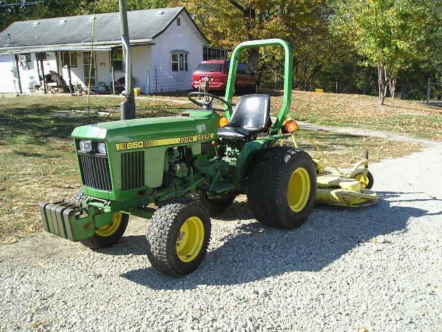 John deere 650 diesel tractor w/jd 272 grooming deck ...