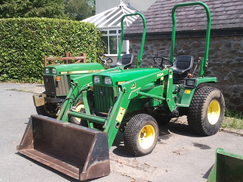 John Deere 855 with Front Loader   Used Compact Tractor