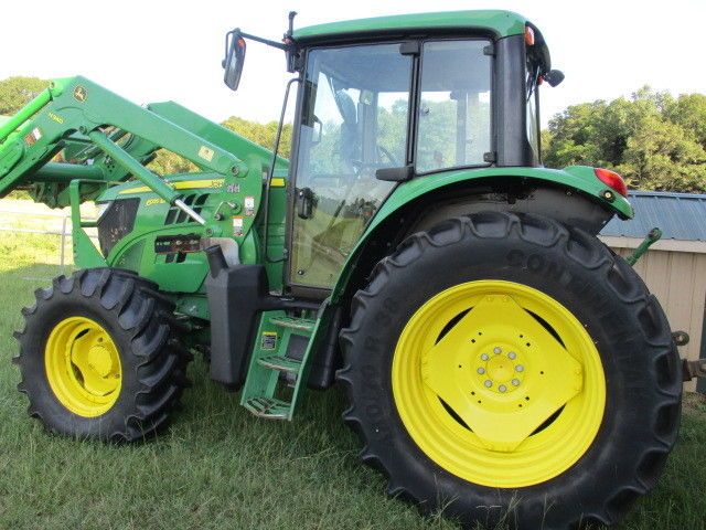 2014 John Deere 6115M 4x4 cab tractor with loader and ...