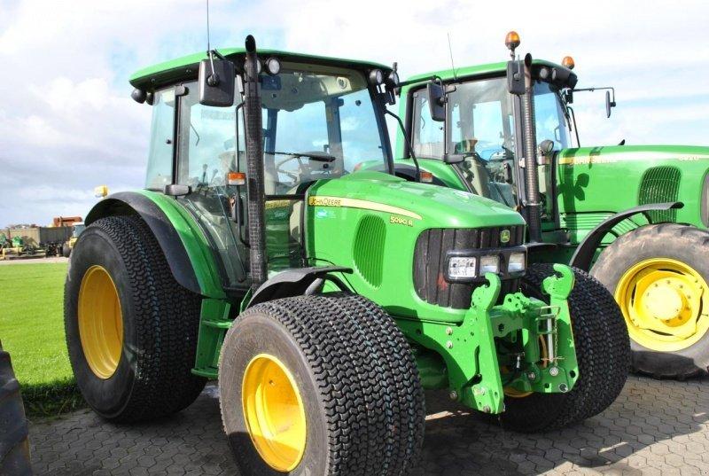 Tractor John Deere 5090R - technikboerse.com