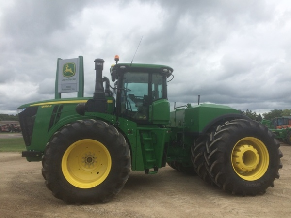 2016 John Deere 9520R Tractor - Wanamingo, MN | Machinery Pete