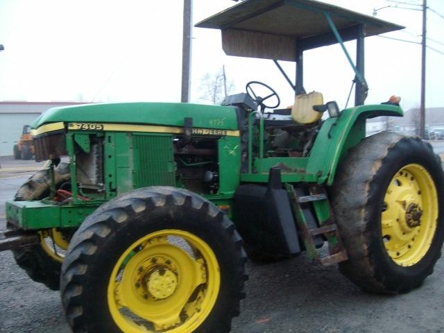 John Deere 7405 salvage tractor at Bootheel Tractor Parts