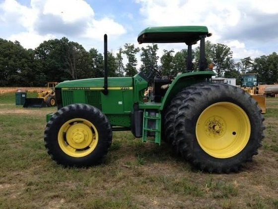 2000 JOHN DEERE 7405 Tractors in Blairs, VA, USA