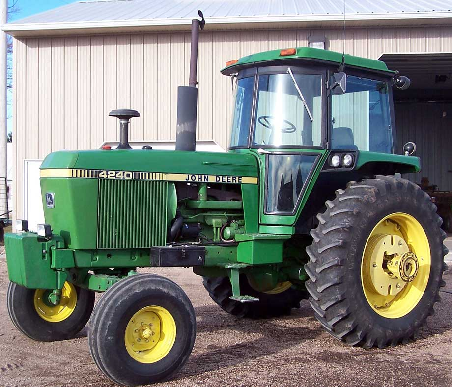 John Deere 4240 Sold for Record Auction Price of $34,500