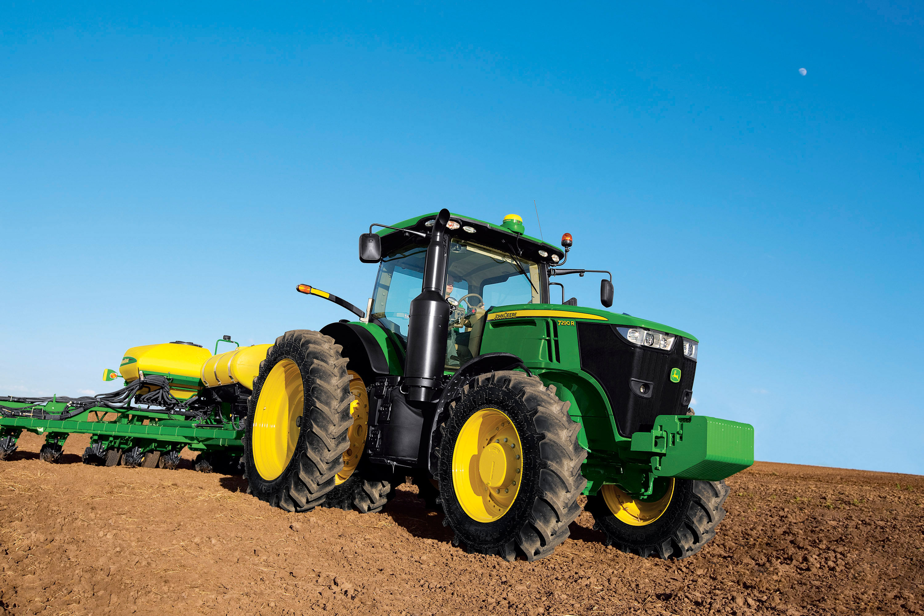 New John Deere 7R Tractors Boost Power, Performance and ...