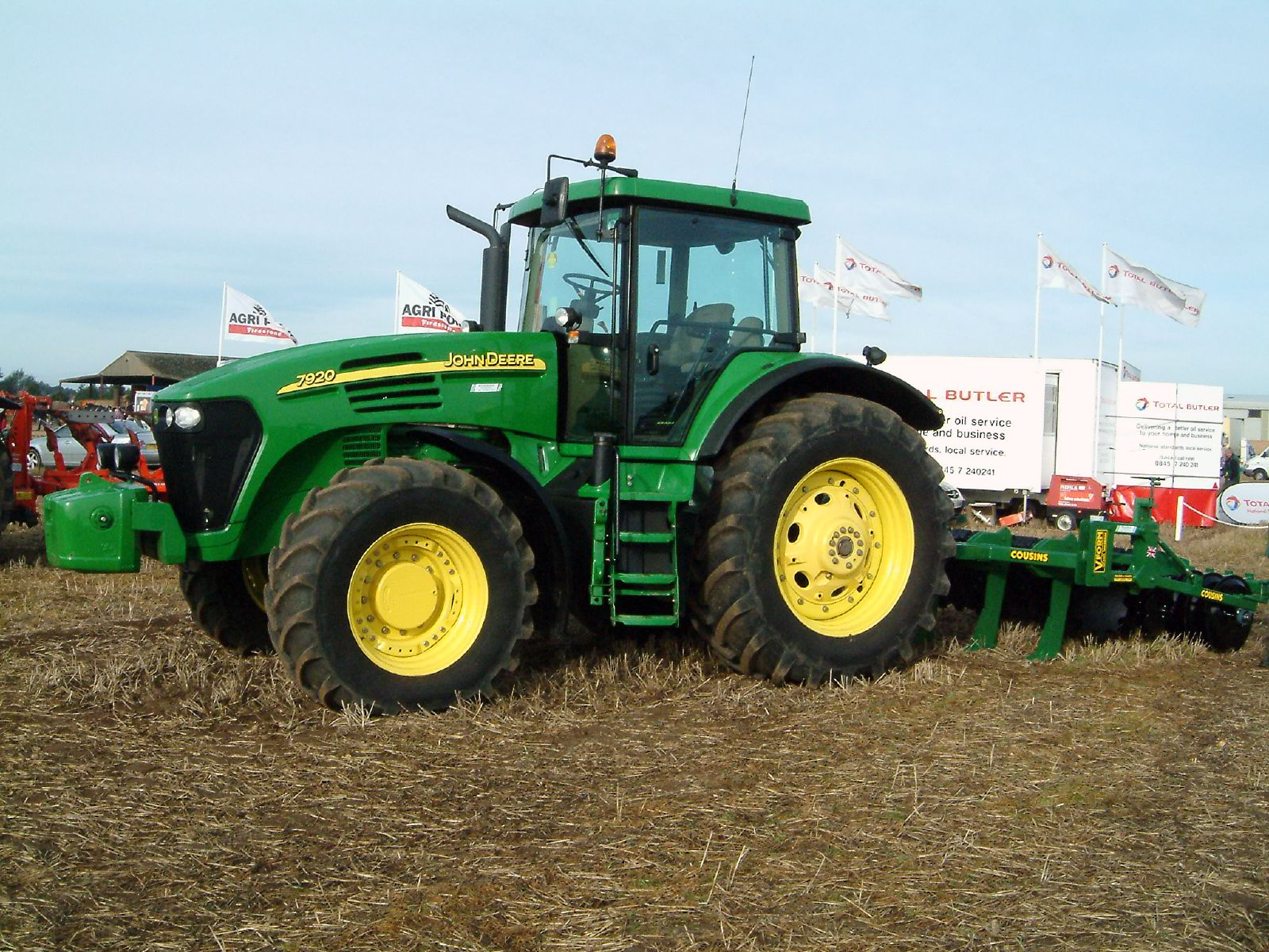 File:John Deere 7920 tractor.jpg