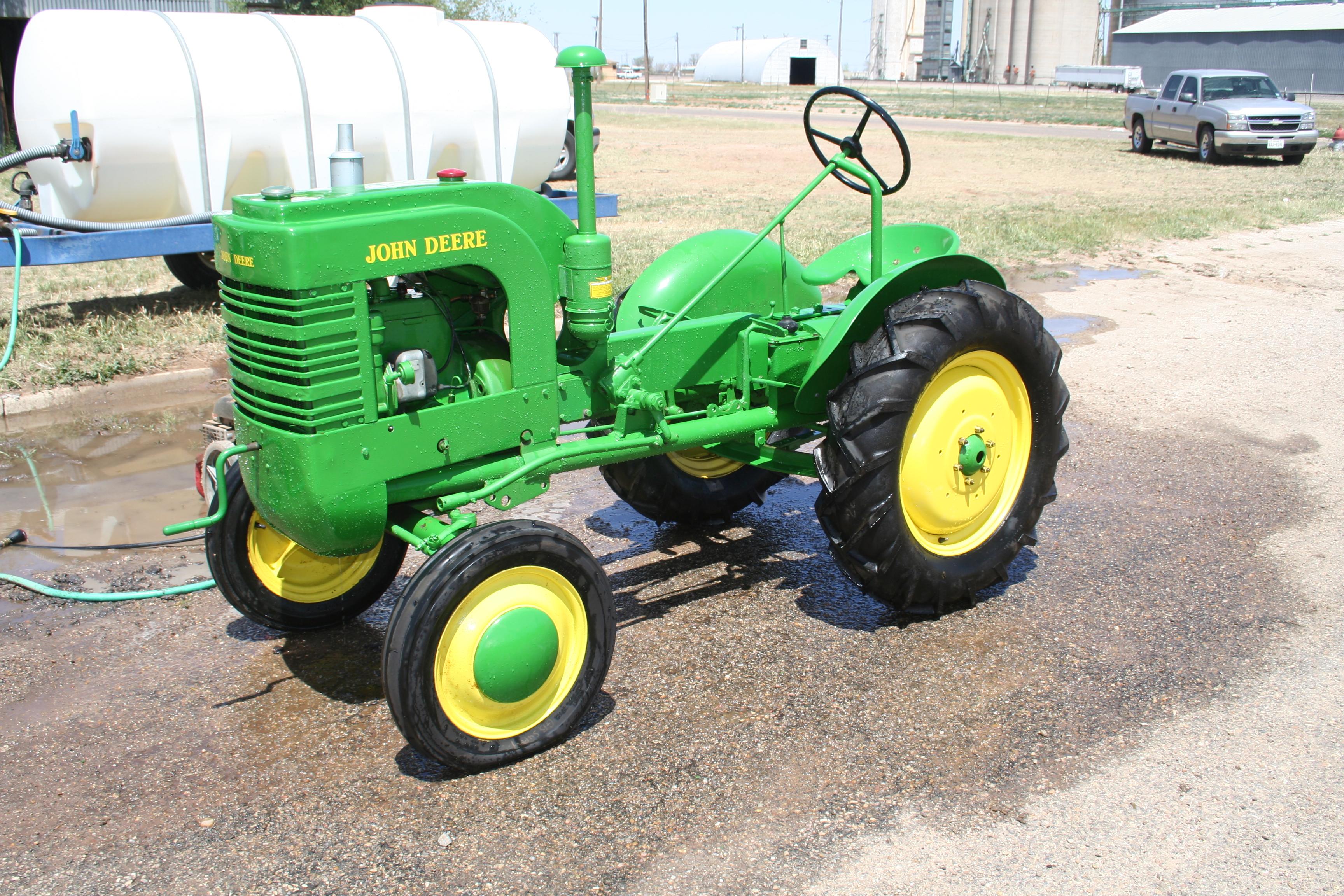 John Deere L (1938)   Troy's Tractors