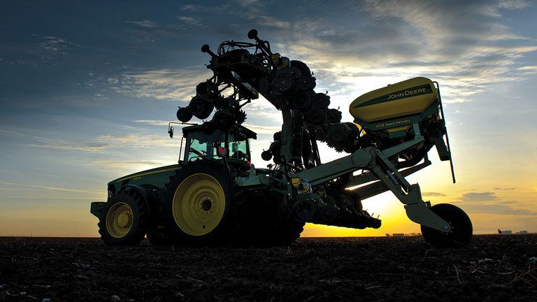 DR Planter Series - Reynolds Farm Equipment