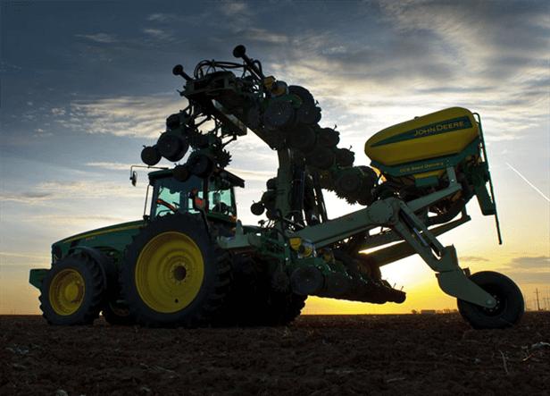 DR24 - New DR Planter Series - Reynolds Farm Equipment
